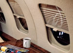 Mechanical window shade for Falcon 20/50